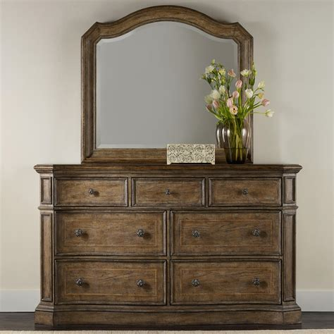 hooker furniture solana  drawer dresser  mirror set