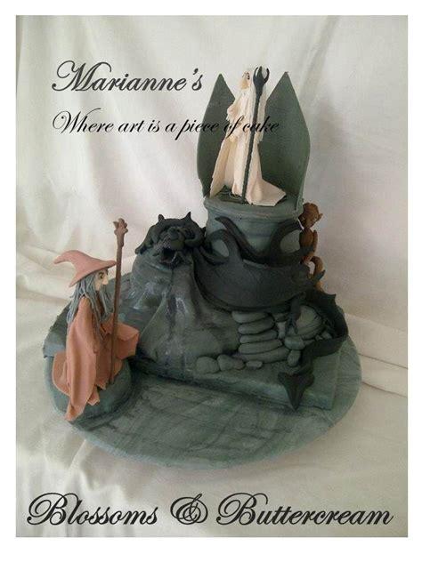 lord   rings cake complete  saruman gandalf