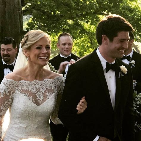 wedding present registry cnn s brown marries adam wright in kentucky wedding