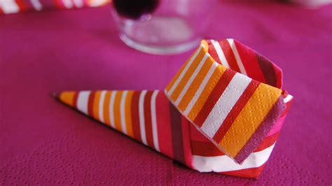 pliages de serviettes pour noel pliage serviette original pour noel images