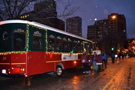 chicago trolley presents lights tour