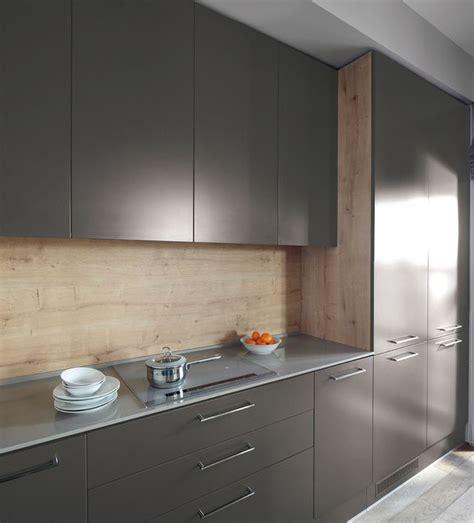 idee peinture meuble cuisine peinture pour repeindre meuble cuisine on decoration d