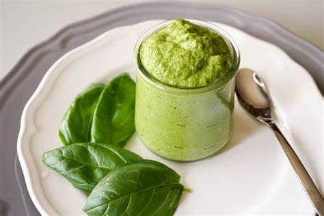 cuisiner le basilic pesto recette de pesto vert quot alla genovese quot et de pesto