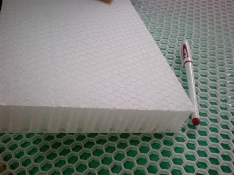 extruded white polypropylene honeycomb core board interior