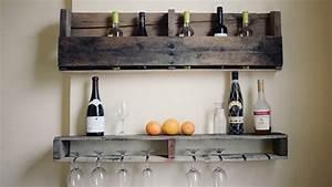 Bar En Bois : se cr er un mini bar en bois de palettes ~ Teatrodelosmanantiales.com Idées de Décoration