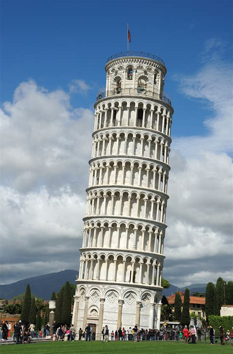 leaning tower of pisa travelling moods