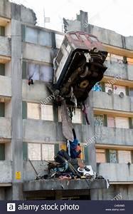 Poster Mural 3d : train crash sculpture block flats poster painting mural 3d stock photo royalty free image ~ Teatrodelosmanantiales.com Idées de Décoration