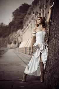 35 unique steampunk wedding gowns happyweddcom for Wedding dress steaming