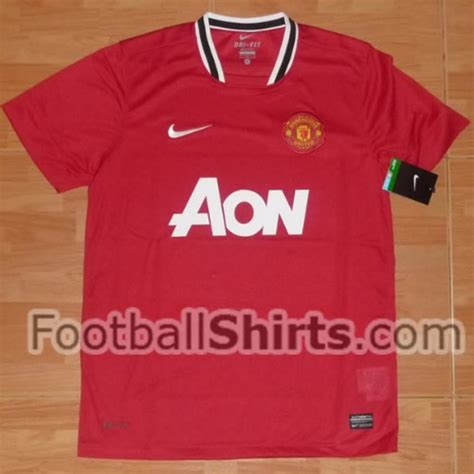 The Football Shirts Book The Connoisseur S Guide Manchester United Home Shirt For 2011 12 Season