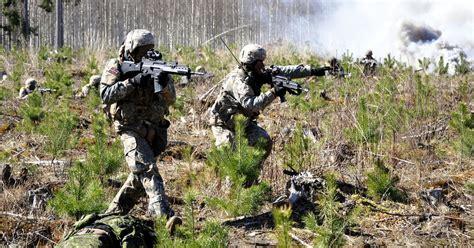 Nākamgad armijā plānots pieņemt līdz 710 karavīru ...