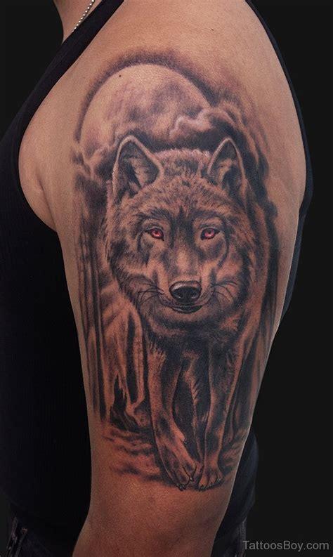 Tatouage Loup Epaule