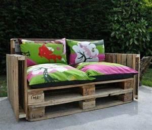Europaletten Gartenmöbel Bauen : sofa aus paletten integrieren diy m bel sind praktisch und originell ~ Markanthonyermac.com Haus und Dekorationen