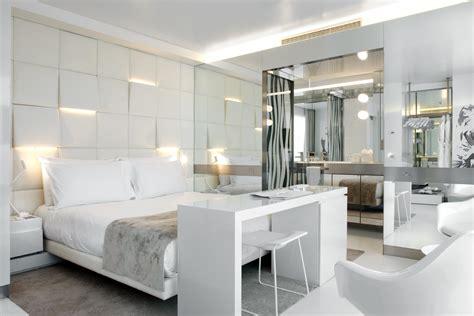 glass walls bathroom hotel the mirror barcelona gca arquitectes archdaily