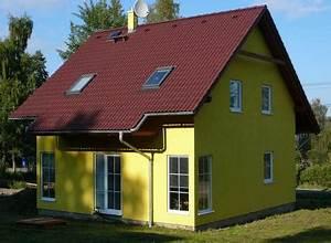 Výstavba dvoupodlažního cihlového domu