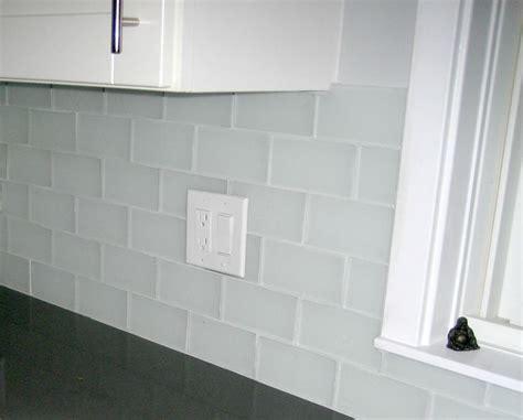 mixed style white tile backsplash clear glass mosaic