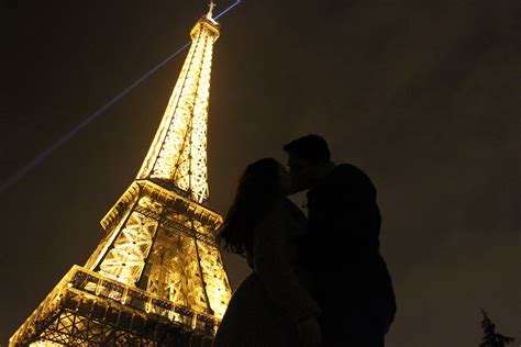 paris  city  love      kiss