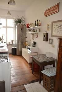 Günstige Küchen Berlin : sch ne k che in berlin mit holzdielenbiden und gro em ~ Watch28wear.com Haus und Dekorationen