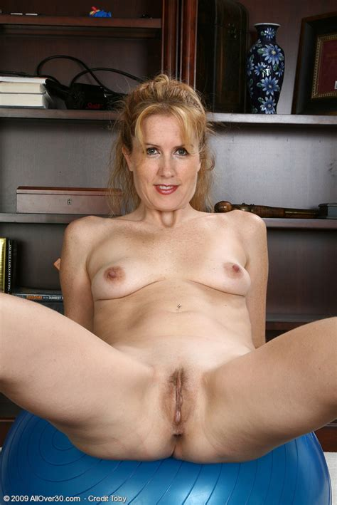 AllOver30Free.com- Hot Older Women - 35 Year Old Waina from West, Texas in High Quality Mature ...