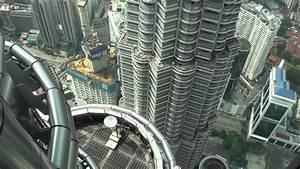 [HD] Petronas Twin Tower Skybridge (Lvl 41) & Observation ...