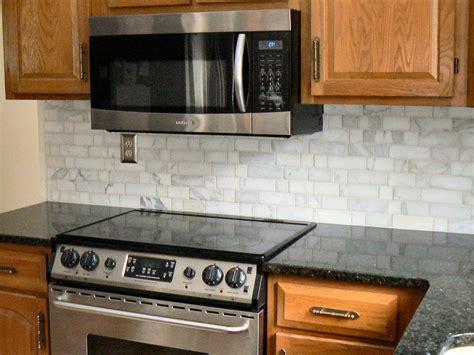Tumbled Stone Backsplash : Kitchen