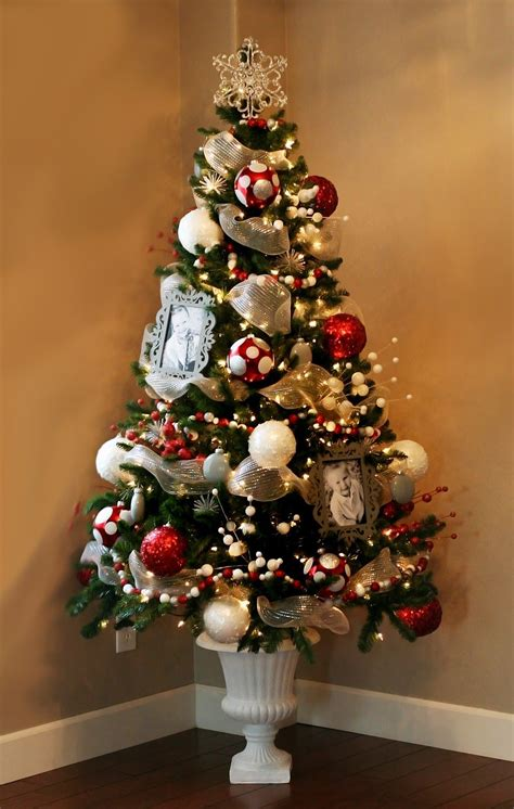 idea  christmas decorating small fake trees  urns