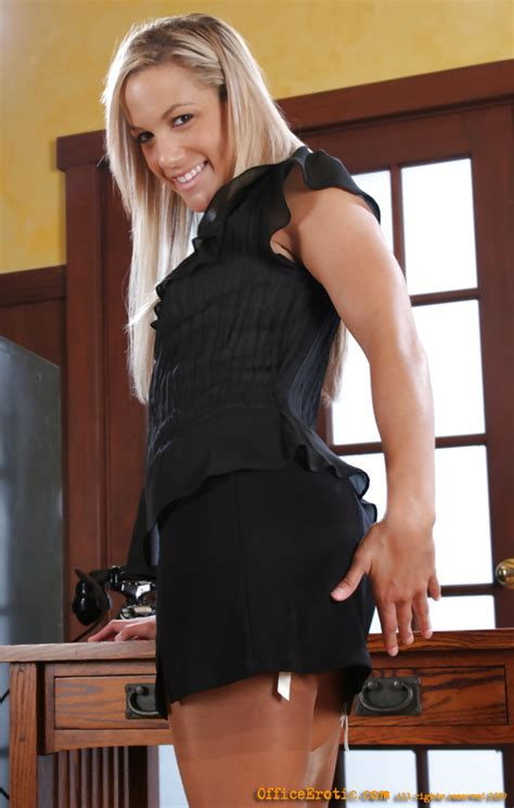 Sex Pictures Of Upskirt Office Blonde