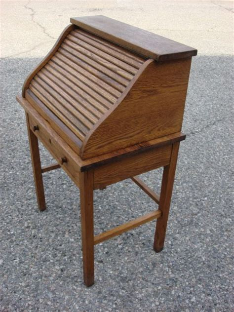 childs roll top desk american antique s top child 39 s roll top desk from rubylane