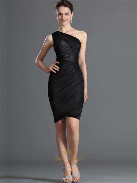 black  shoulder sheath knee length cocktail dress