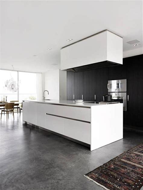 cuisine blanche mur gris la cuisine grise plutôt oui ou plutôt non