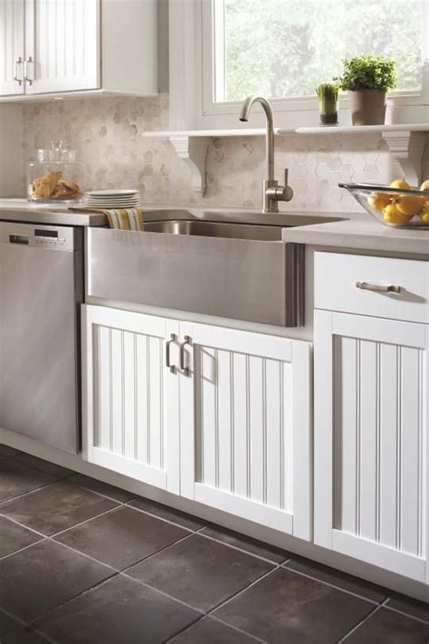 counter depth farmhouse sink aristokraft cabinetry 39 s traditional country sink cabinet