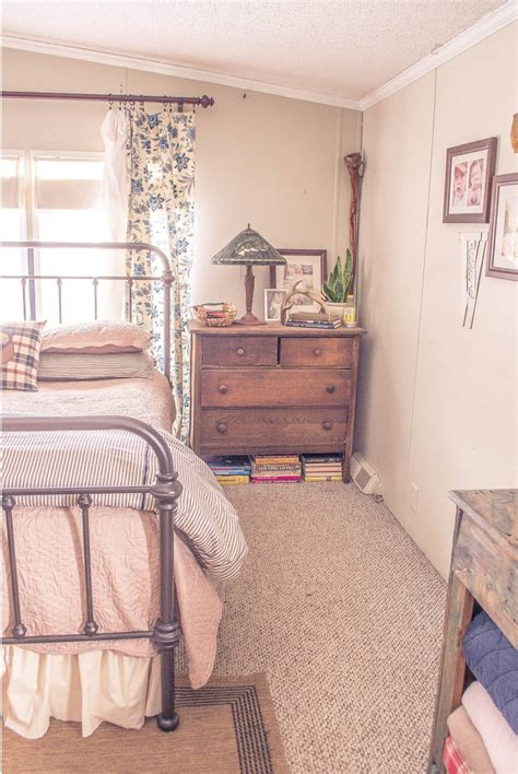 Home Decor Ideas For Bedroom by Country Cottage Manufactured Home Decorating Ideas