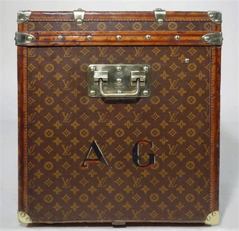 louis vuitton trunk monogram  hat trunk authentic lock clasp handles solid brass