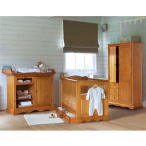 chambre bébé pin massif chambre bébé hãªtre massif design d 39 intérieur et idées