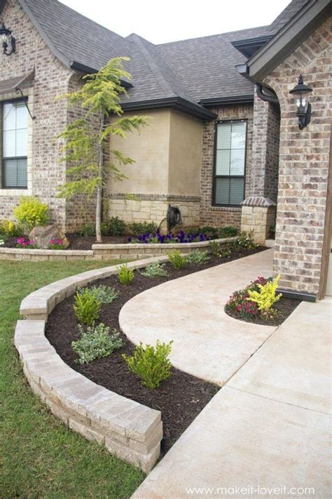 Inexpensive Backyard Landscaping by Best 25 Cheap Landscaping Ideas For Front Yard Ideas On