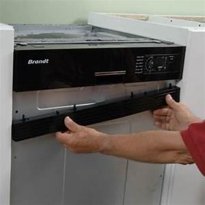 Porte Lave Vaisselle Encastrable : lave vaisselle encastr sous un plan de travail de cuisine ~ Dailycaller-alerts.com Idées de Décoration