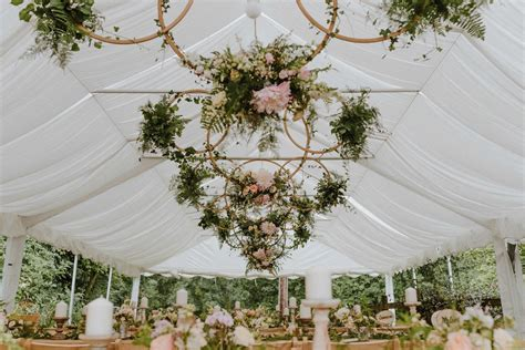 How To Get Married In 2019 Trend & Style Predictions From