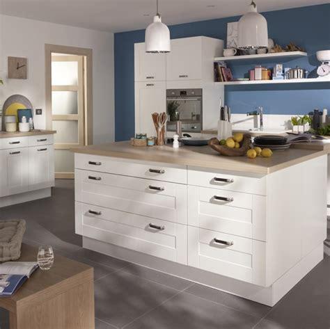 cuisine kadral en bois blanc castorama prix 599