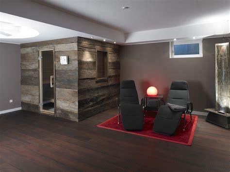wohnzimmer modern wand streichen altholz bretter balken gehackt bs holzdesign