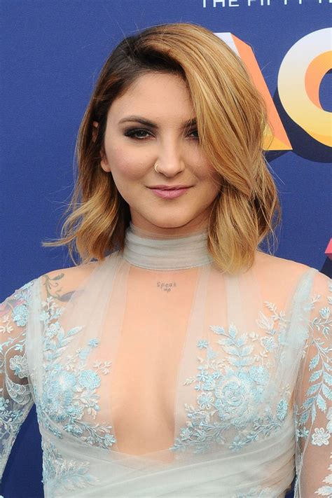 julia michaels  acm awards  las vegas