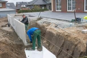 l steine oder betonmauer winkelst 252 tzen l steine gartenbau landschaftsbau sebastian m 252 ller