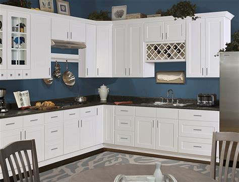 what color white for kitchen cabinets kitchen cabinets for diy cabinets 9626
