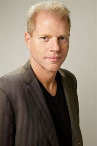 Noah Emmerich Biography - YIFY TV Series