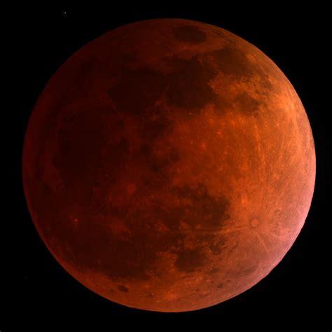 total lunar eclipse  week  turn  moon blood red video space