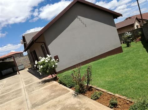 Houses On Sale by 2 Bedroom House For Sale In Dobsonville Ext 11 Belmont