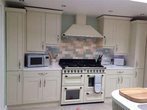 green appliances kitchen wren kitchen shaker style green and alaska 1346