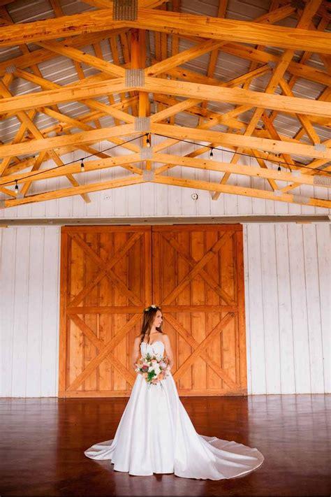 big white barn weddings  prices  wedding