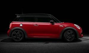 Mini Cooper Noir : side view of f56 mini cooper sd chili red black roof with jcw external cars pinterest mini ~ Gottalentnigeria.com Avis de Voitures