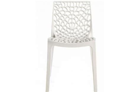 chaise blanche pas cher chaise design blanche opaque filet design sur sofactory