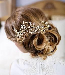 Wedding Headpiece Decorated With Crystals 2048067 Weddbook