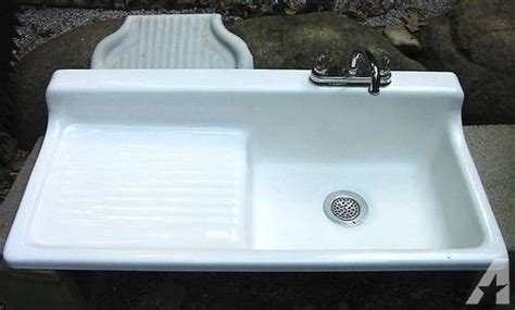 antique cast iron kitchen sink with drainboard 30 beautiful farmhouse sinks for 9697